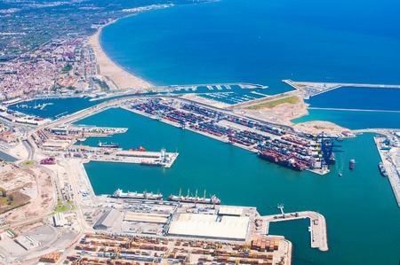 Valencia opens a maritime connection with Algeria