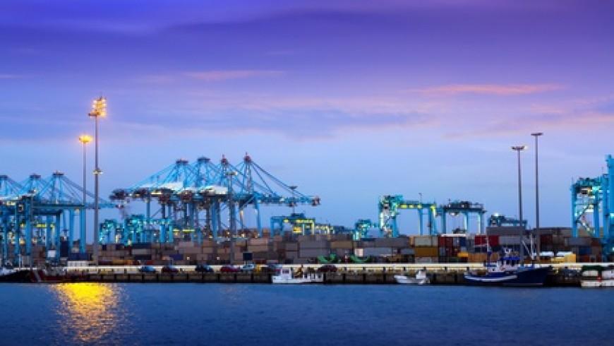 CMA CGM mejora los servicios africanos que escalan en Algeciras